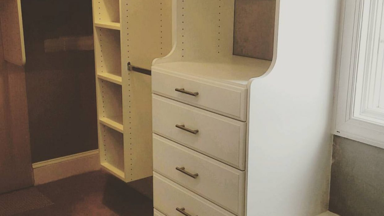 White Hutch drawer unit
